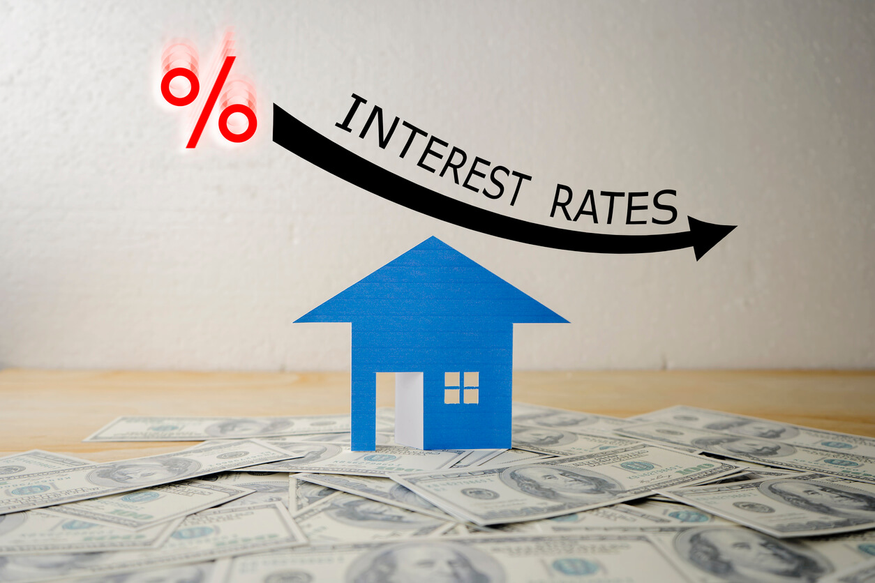 low interest rates when looking to buy a house illustration